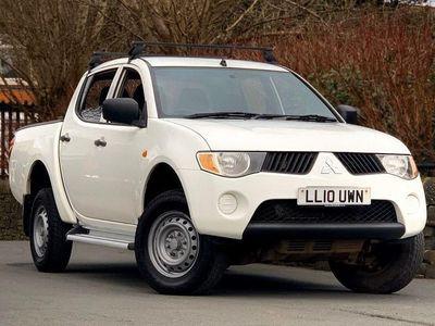 used Mitsubishi L200 2.5 4WD 4LIFE SHR DCB 134 BHP