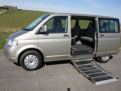 used VW Caravelle 2.5 TDI 5DR AUTOMATIC MPV 2008