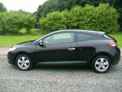 used Renault Mégane DYNAMIQUE TOMTOM 1.4 TCE COUPE