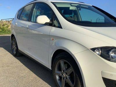 used Seat Altea XL 1.6TDI CR (105ps) I TECH MPV 5d 1598cc DSG