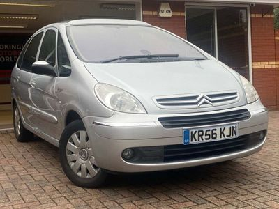 used Citroën Xsara Picasso 2.0 i 16v Exclusive 5dr