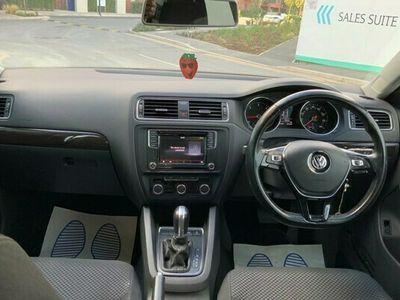 used VW Jetta Saloon 2.0 TDI (150bhp) SE 4d DSG