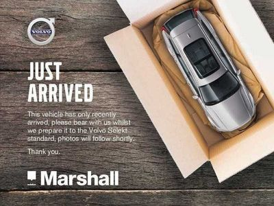 used Volvo XC40 T3 (156 Bhp) R-Design Manual, WINTER PACK. Nav, HEATED WINSCREEN, Heated Steering Wheel, WIRELESS PHONE CHARGING, Flexible Load Floor,