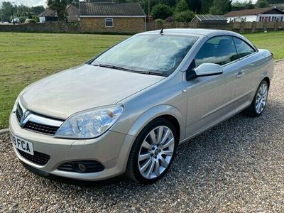 used Vauxhall Astra Cabriolet 2.0 i Exclusiv Black Twin Top 2dr