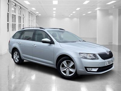 used Skoda Octavia SE TDI CR S-A, DSG AUTOMATIC GEARBOX, DAB DIGITAL RADIO, DUAL ZONE CLIMATE CONTROL, BLUETOOTH AND USB, SELECTABLE DRIVING MODES, ALLOY WHEELS. 2.0 5dr