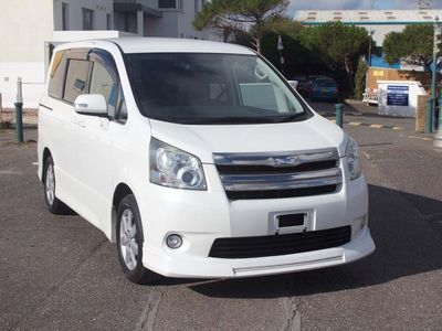 used Toyota Noah NEW SHAPE ONLY 63000 MILES 2.0 5dr