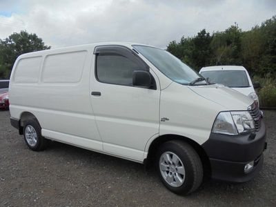 used Toyota HiAce 2.5 D-4D a/c 280 4dr, 2011 (11)