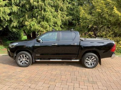 used Toyota HiLux 2.4 D-4D Invincible Double Cab Pickup Auto 4WD EU6 4dr (TSS)