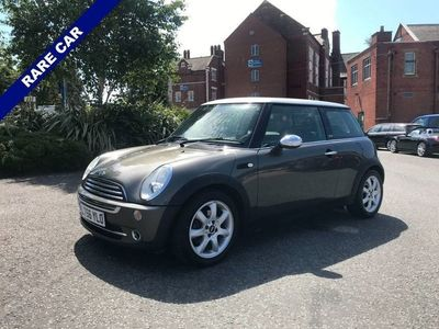 used Mini Cooper Hatch Cooper 1.6PARK LANE 3d 114 BHP Only 62635 Miles From New