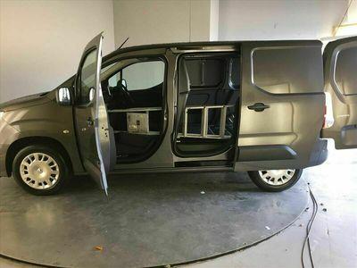used Vauxhall Combo Cargo 2000 1.5 Turbo D 130ps H1 Sportive Van Auto