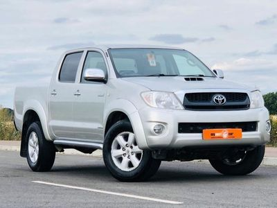 used Toyota HiLux 3.0 INVINCIBLE 4X4 D-4D DCB 5d 169 BHP