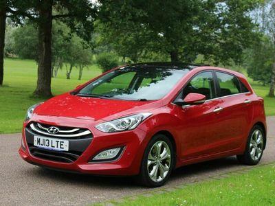 used Hyundai i30 1.6 CRDi Premium 5dr (Panoramic Roof)