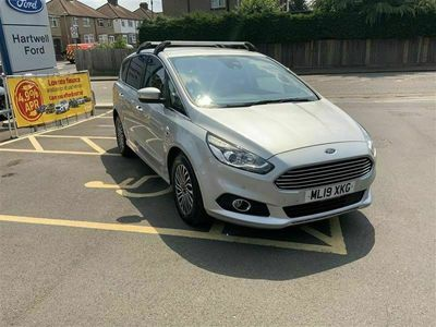 used Ford S-MAX TITANIUM, SAT NAV, BLUUETOOTH, REAR PARKING SENSORS, ALLOY WHEELS, KEYLESS ENTRT AND KEYLESS START, AUTO LIGHTS AND WIPERS, 7 SEATS. 2.0 5dr