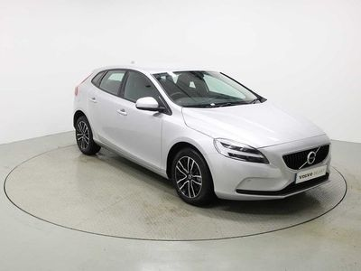 used Volvo V40 T2 Momentum Automatic (Petrol, Sat Nav, Rear Camera, Front & Rear Park Assist & Cruise Control) 1.5 5dr