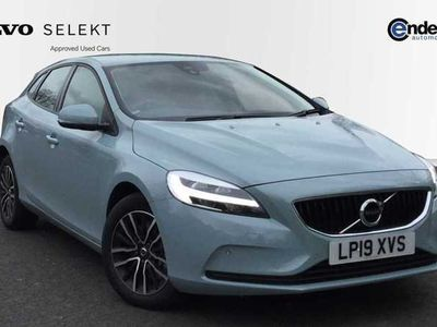 used Volvo V40 D2 Momentum Automatic (Front & Rear Park Assist, Sensus Navigation) 2.0 5dr