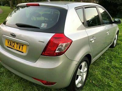 used Kia cee'd 1.6TD 2 1.6CRDi Hatchback auto