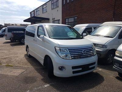 used Nissan Elgrand 2.5 V6 highway star 8 seat 2 berth