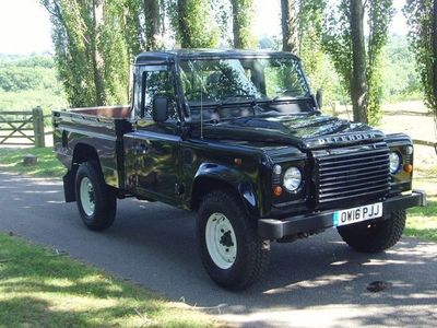 used Land Rover Defender 110 TD HIGH CAPACITY PICK UP 2.2 2dr