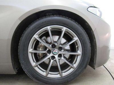 used Alfa Romeo Giulia Saloon Tecnica 2.2 Turbo Diesel 180hp auto 4d