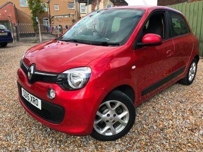 used Renault Twingo 1.0 SCE PLAY DYNAMIQUE 5 DOOR £20,00 ROAD TAX 27,000 MILES