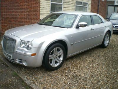 used Chrysler 300C Saloon 3.0 V6 CRD 4d Auto