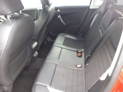 used Peugeot 2008 ALLURE HDI S/S 5-Door
