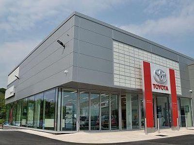 used Toyota C-HR Hatchback 1.8 Hybrid Design 5dr CVT