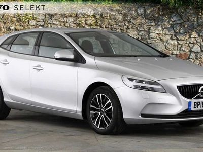 used Volvo V40 T2 Momentum Manual