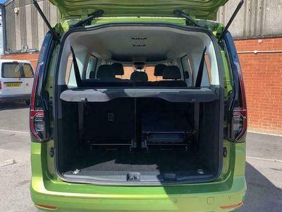used VW Caddy Maxi 2.0 TDI 122 Life 5dr DSG Estate 2021