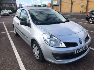 used Renault Clio 1.2 16v Extreme Hatchback 3dr Petrol Manual (139 g/km, 75 bhp)