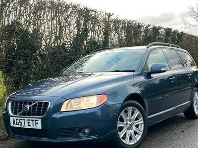 used Volvo V70 2.4D SE 5dr Geartronic AUTOMATIC *** FULLY LOADED *** HEATED SEATS **