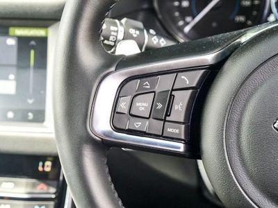 used Jaguar XF 2.0 i4 Diesel (180PS) R-Sport Saloon diesel saloon