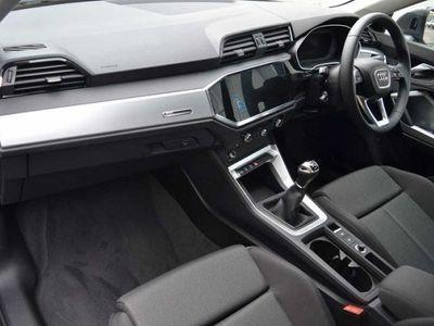 used Audi Q3 Q3 2019Sport 35 TFSI 150 PS 6-speed 2019