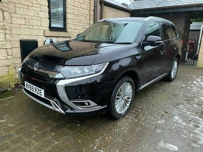 used Mitsubishi Outlander 2.4h TwinMotor 13.8kWh Exceed CVT 4WD (s/s) 5dr