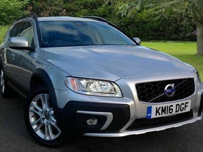 used Volvo XC70 D5 AWD SE Lux Automatic (Sat Nav, Heated Windscreen, Heated Front Seats, Privacy Glass)