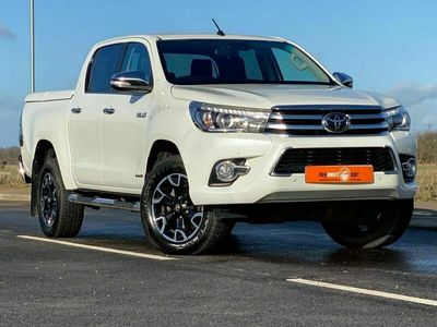 used Toyota HiLux 2.4 INVINCIBLE X 4WD D-4D DCB 5d AUTO 148 BHP APPLY FOR FINANCE ON OUR WEBSITE