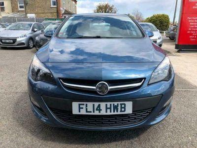 used Vauxhall Astra 1.4i 16V Design 5dr hatchback