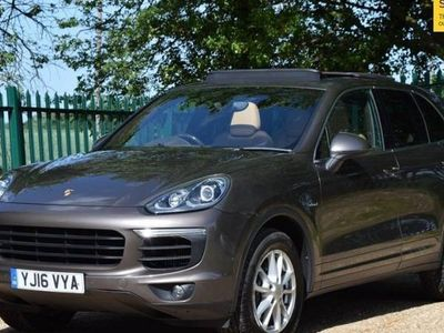 used Porsche Cayenne 3.0 D V6 TIPTRONIC S 5d 262 BHP ELECTRIC RETRACTABLE TRAILER HITCH