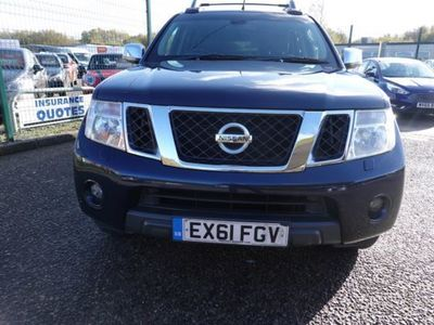 used Nissan Navara Double Cab Pick Up Tekna 2.5dCi 190 4WD Auto, 2011, not known, 77000 miles.
