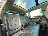 used VW Touareg 3.0 TDI V6 BlueMotion Tech R-Line Tiptronic 4WD (s/s) 5dr